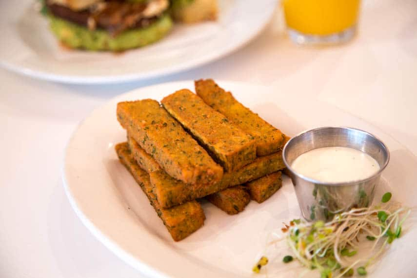 Peacefood-Cafe chickpea fries