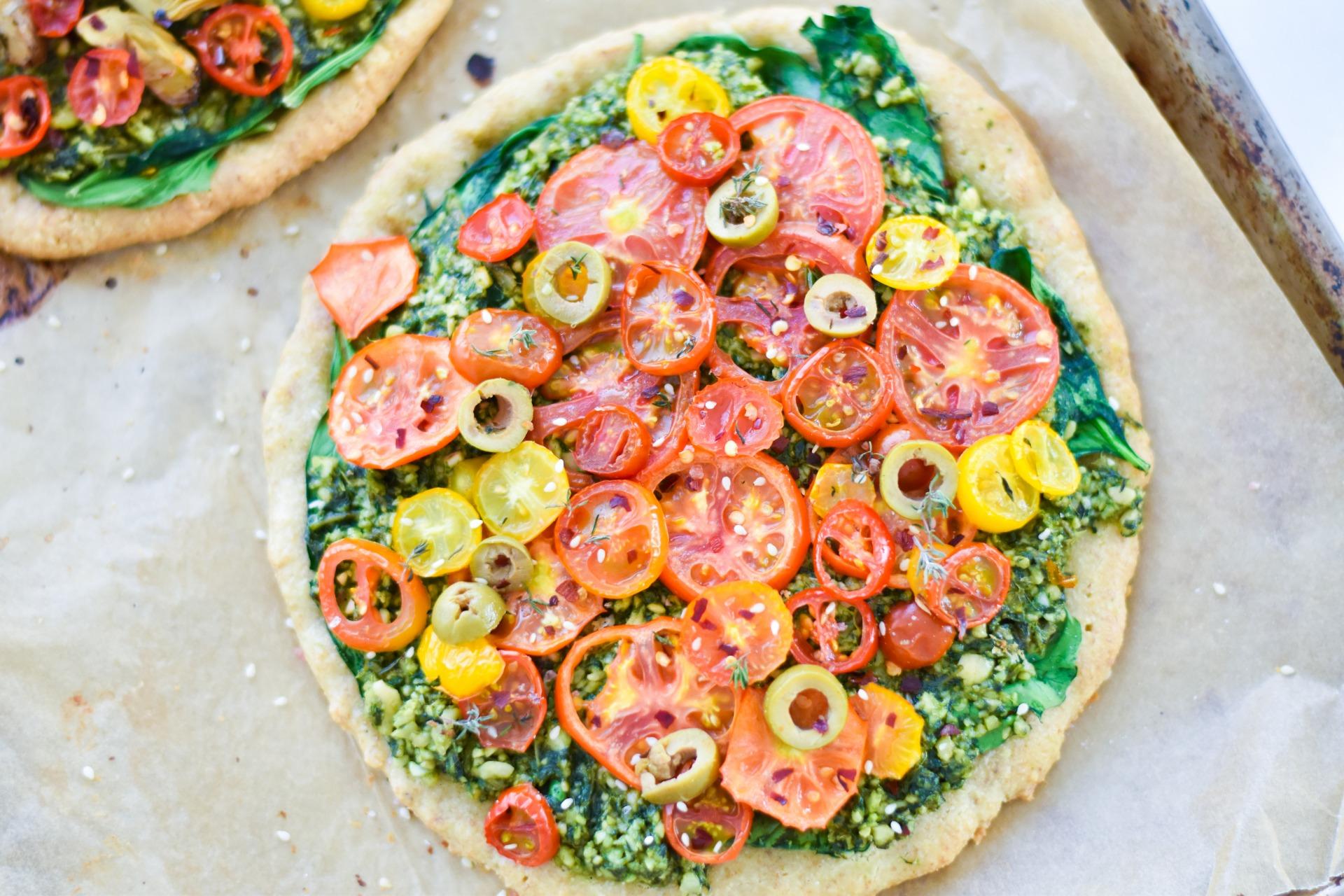 Healthy Summer Recipes - Roasted Tomato & Pesto Pizza